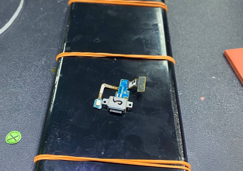 Samsung Note 9 Charging Port Replacement.