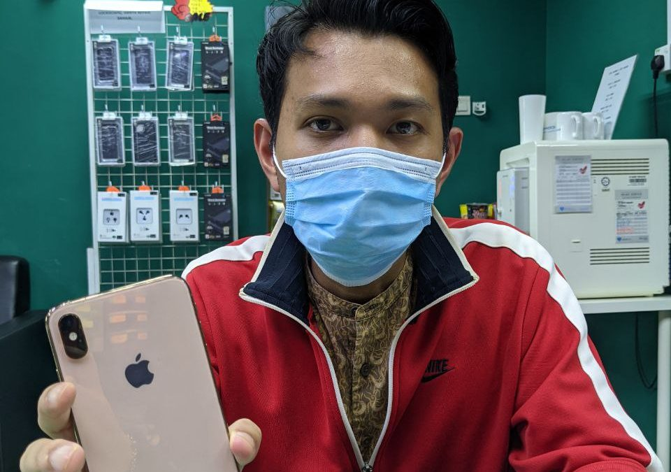 iPhone XR Back Glass Replacement.