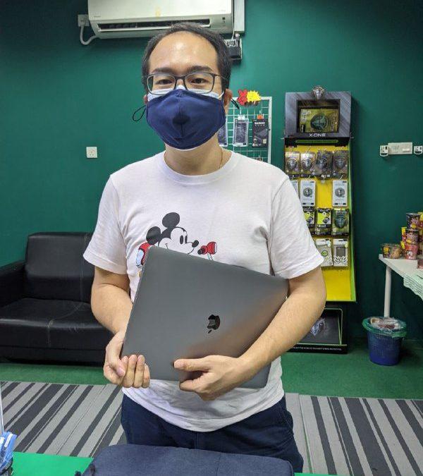 Macbook Pro Repair Board.