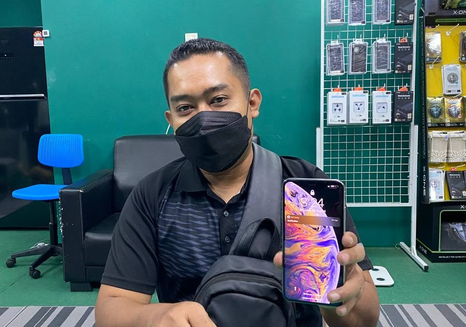 iPhone Xs Max Battery Replacement.